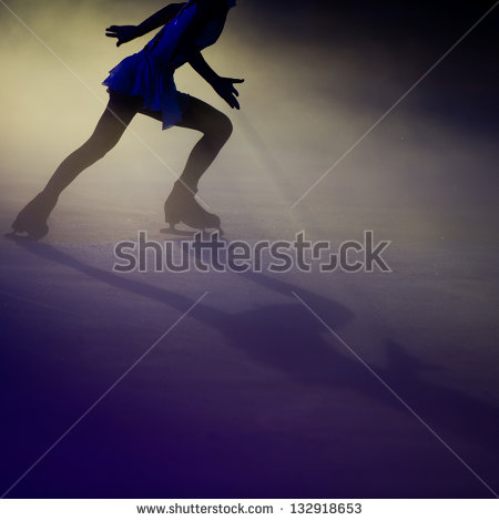 uploads/slider/20150915/stock-photo-figure-skating-132918653.jpg